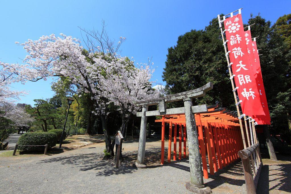 Inari shrine at Suizenjim, Kumamoto