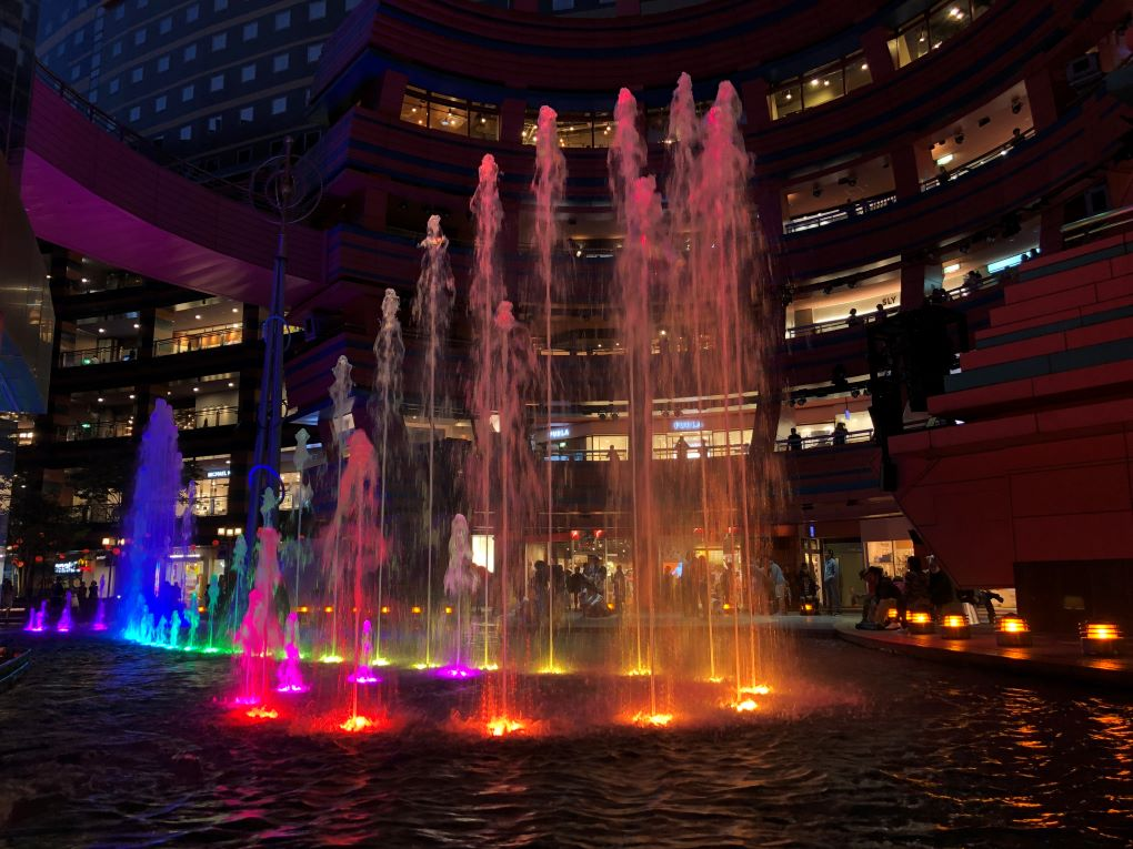 Light show at Canal City Hakata, Fukuoka. © touristinjapan.com