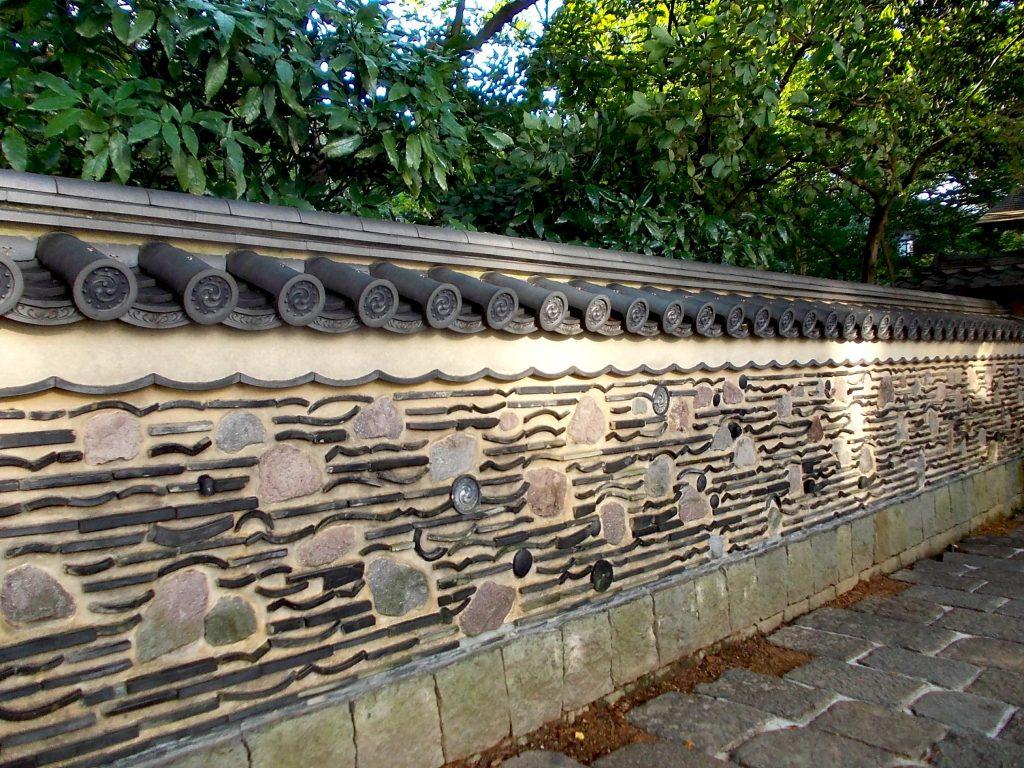 Hakatabei walls at Rakusuien, Fukuoka