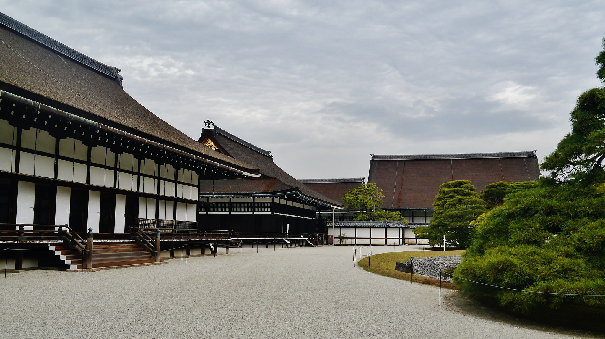 Kyoto Imperial Palace. Credit: Zairon. Licensed under CC.
