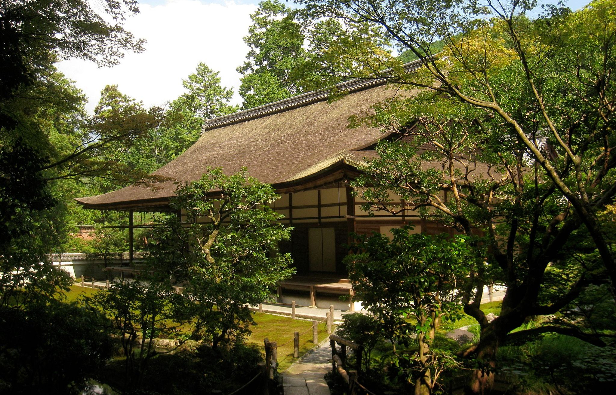 View at Nanzen-in temple. Credit: Daderot. Public Domain.