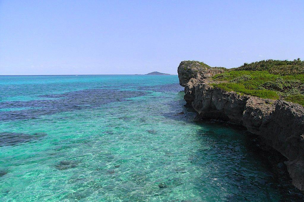 Whale Rock (Kujira iwa), Ikema island, Miyako. Credit: sota. Licensed under CC BY-SA 2.0.