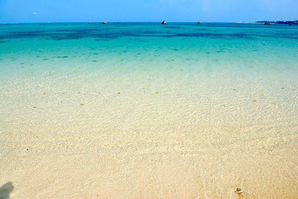 Sawada Beach, Miyakojima. Credit: sota. Licensed under CC BY-SA 2.0.