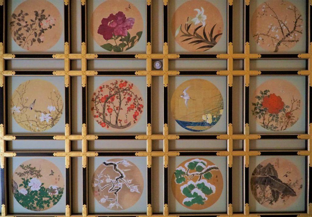 Painted ceilings at sanshokaku hall, Eihei-ji temple, Fukui. © touristinjapan.com.