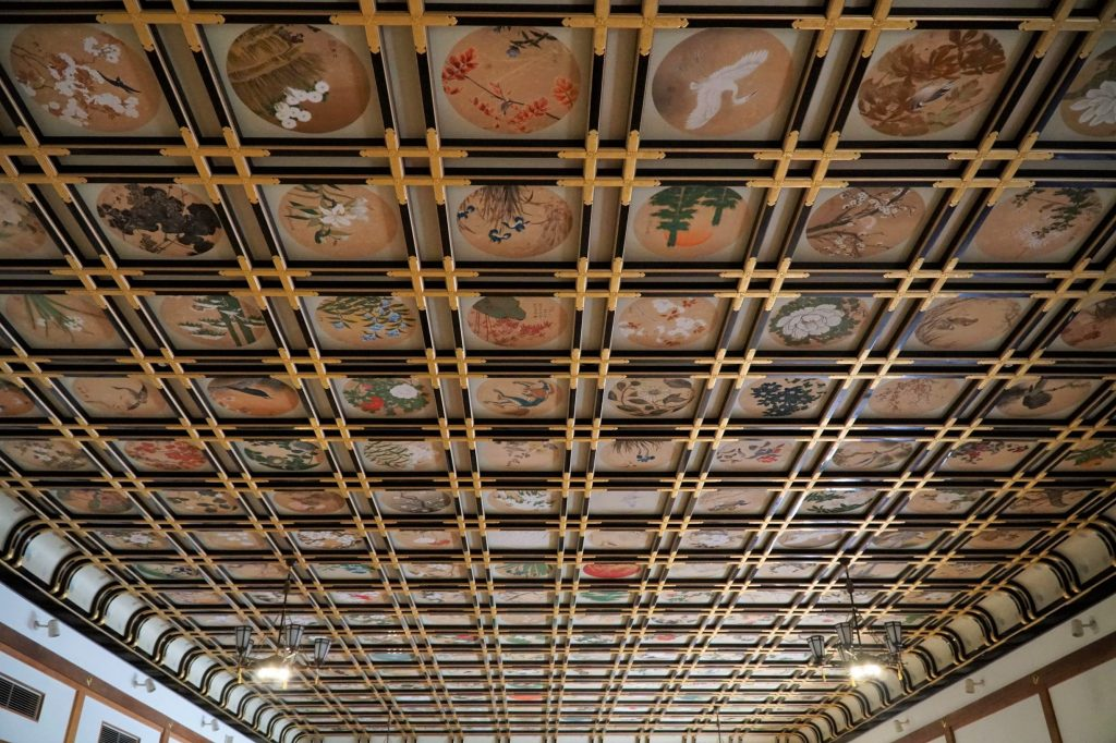 Painted ceilings at sanshokaku hall, Eihei-ji temple, Fukui. © touristinjapan.com.