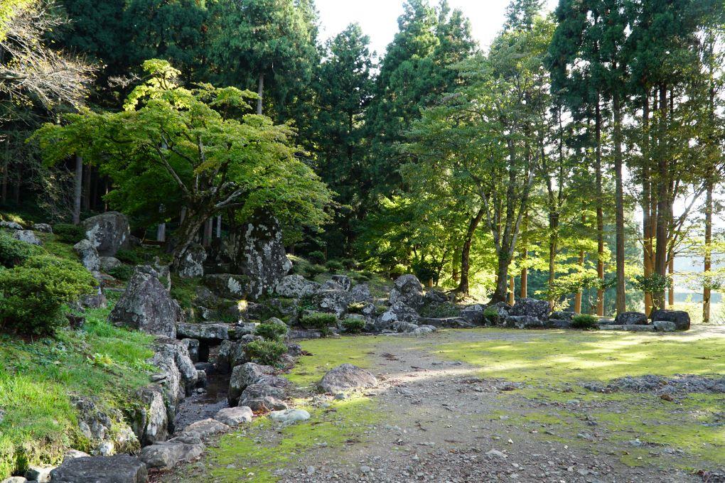 Remains of garden at Ichijōdani Asakura Clan Historic Ruins. © touristinjapan.com