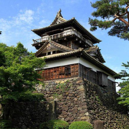 Maruoka Castle, Fukui Prefecture. Photo by baku13. CC BY-SA 2.1 JP.