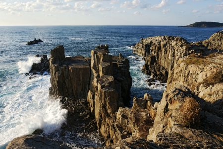 Tojinbo Cliffs, Fukui. Photo by 663highland. CC BY 2.5.