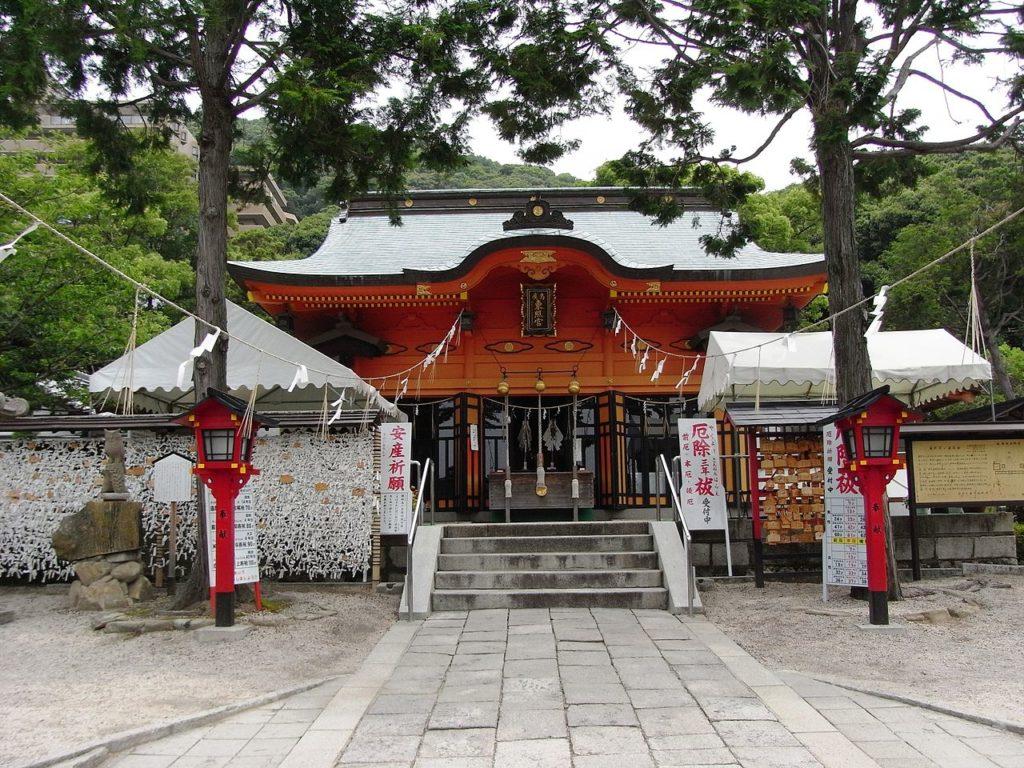 Hiroshima Toshogu Shrine. Photo by Taisyo. CC-BY-SA 3.0.