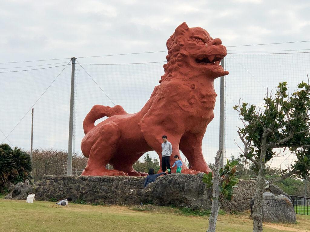 Cape Zanpa Giant Shisa Statue, Okinawa. © Touristinjapan.com